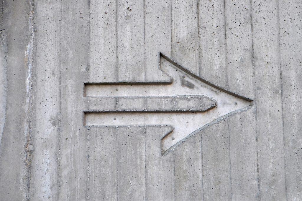 bloggers to follow; arrow Photo by Steinar Engeland on Unsplash