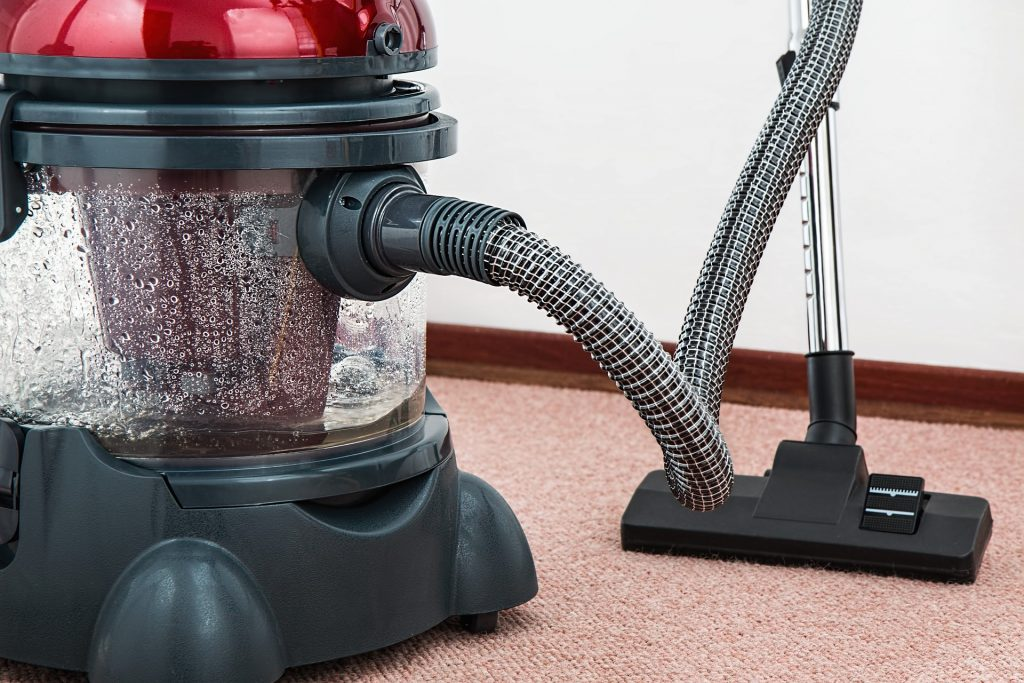 vacuum cleaner; how to keep yourself organized; Home Routines App